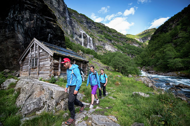 EnMiljon_Hiking_in_Aurlandsdalen650